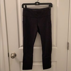 Lulu lemon 3/4 length workout pants, size 4